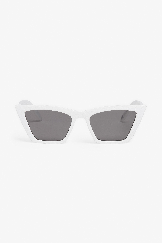 Monki Square cat-eye sunglasses in white