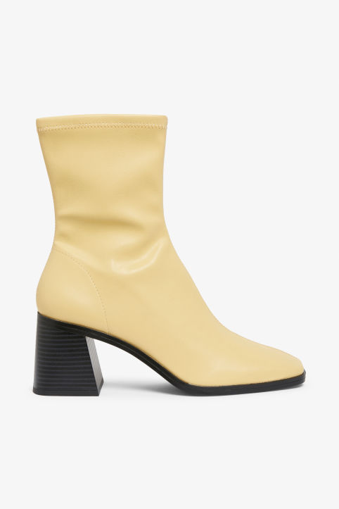 Square-toe boot heel