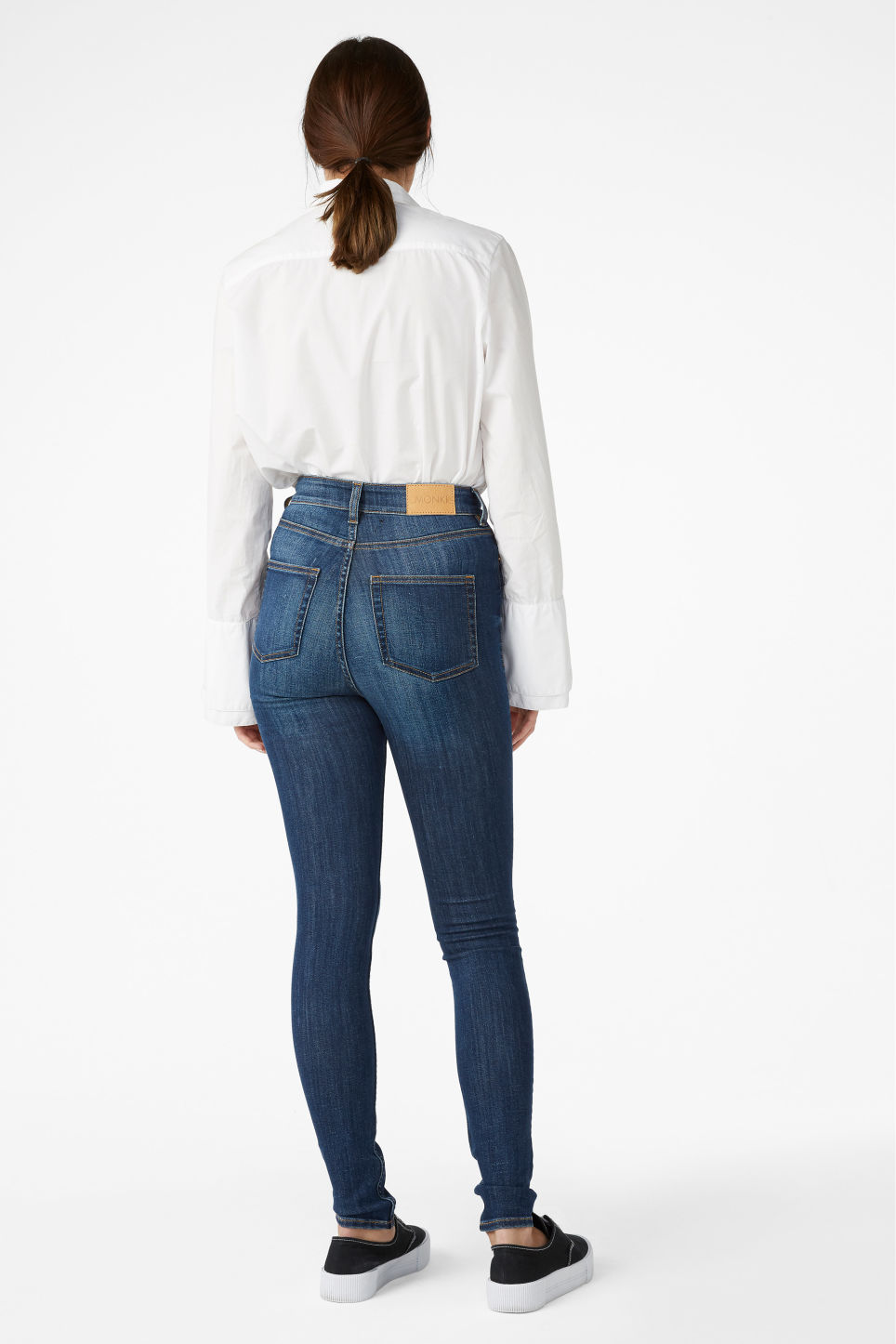 Model back image of Monki oki mid blue in blue