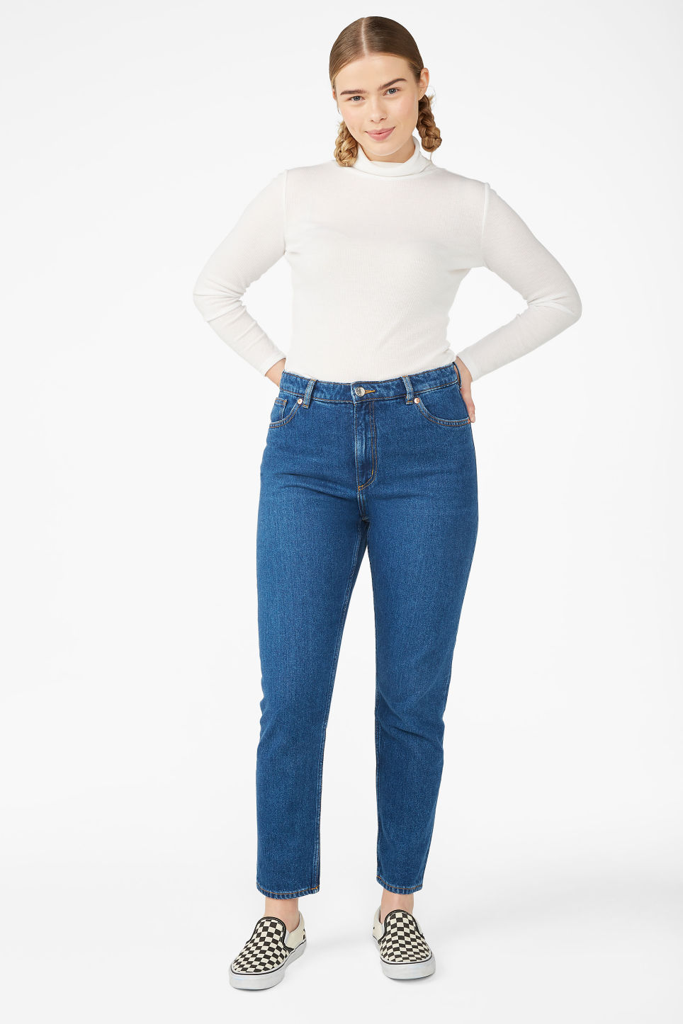 Model front image of Monki kimomo classic jeans in blue