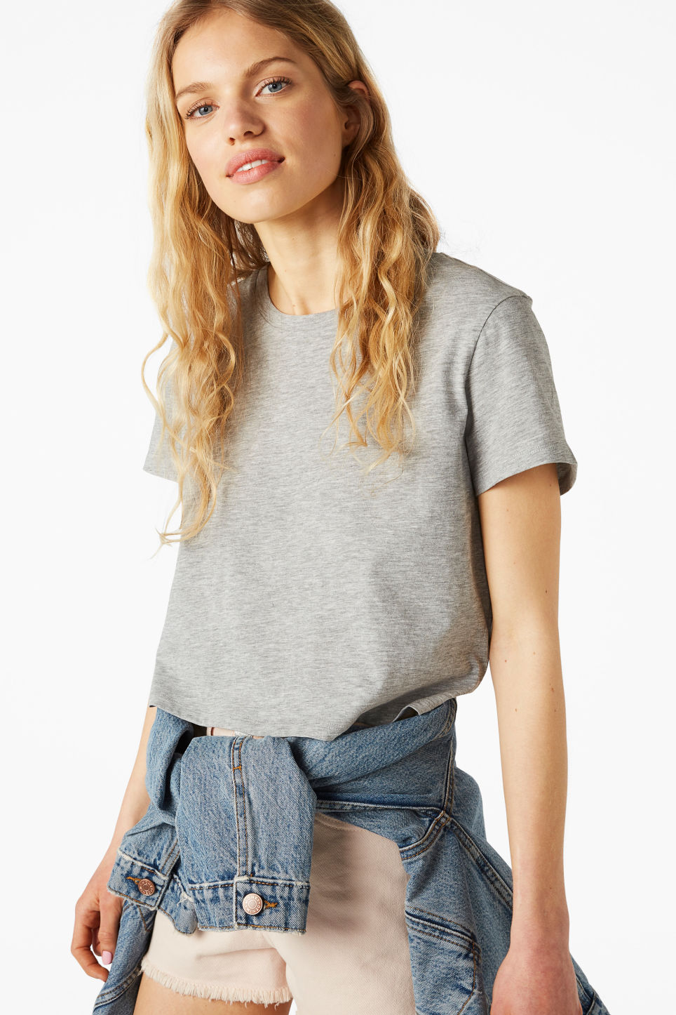 Model front image of Monki cropped tee in grey