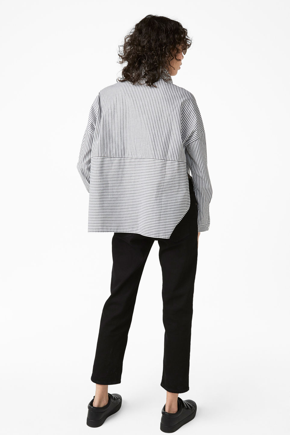 Model back image of Monki hidden button cotton blouse in black