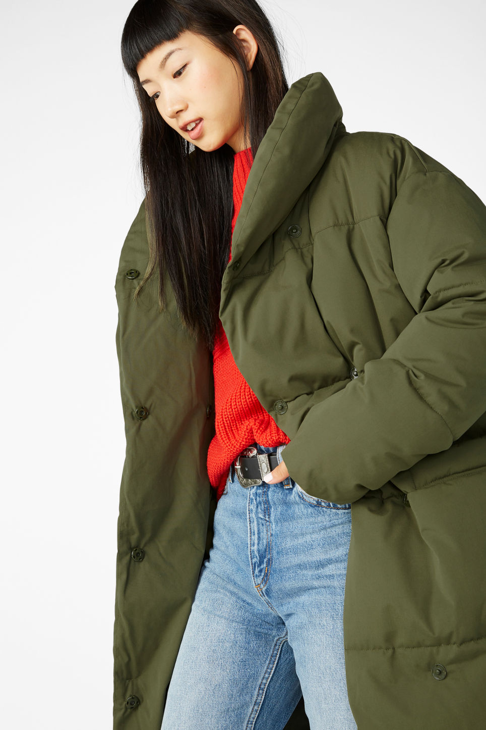 Model front image of Monki puff coat in green