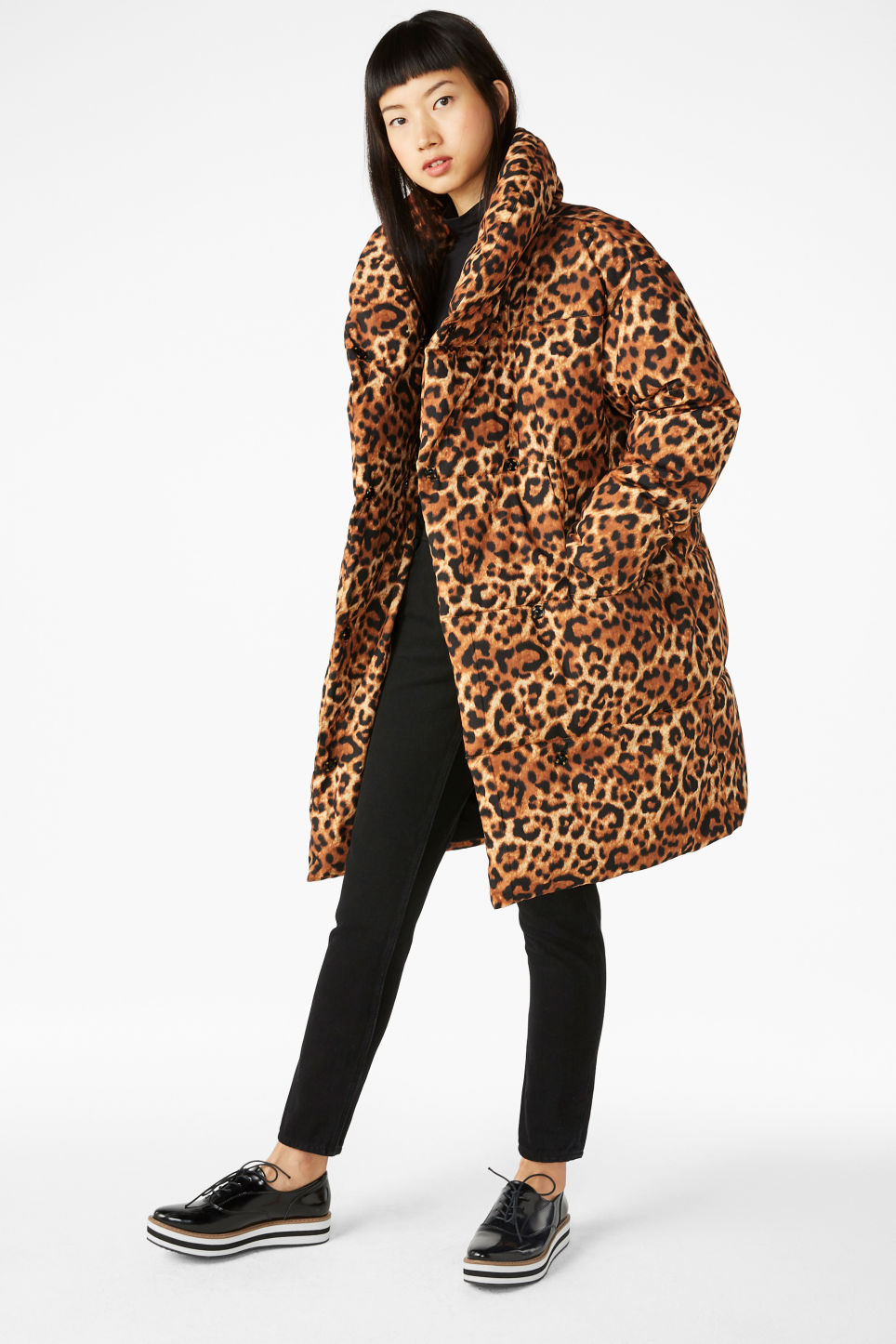 Model front image of Monki puff coat in yellow