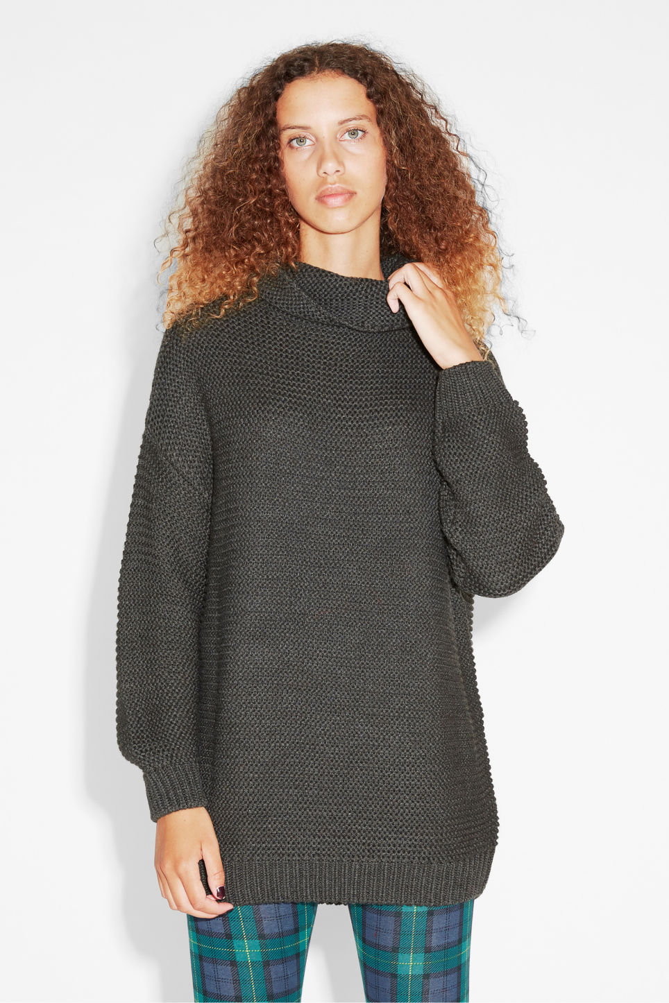 Model front image of Monki knit sweater in grey