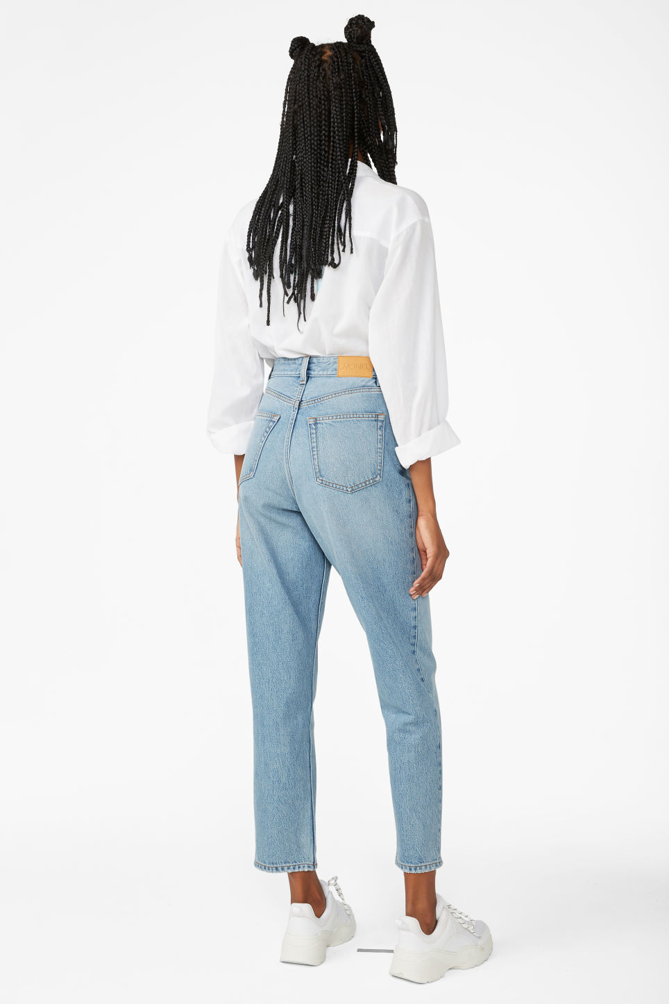 Model front image of Monki taiki jeans blue in blue
