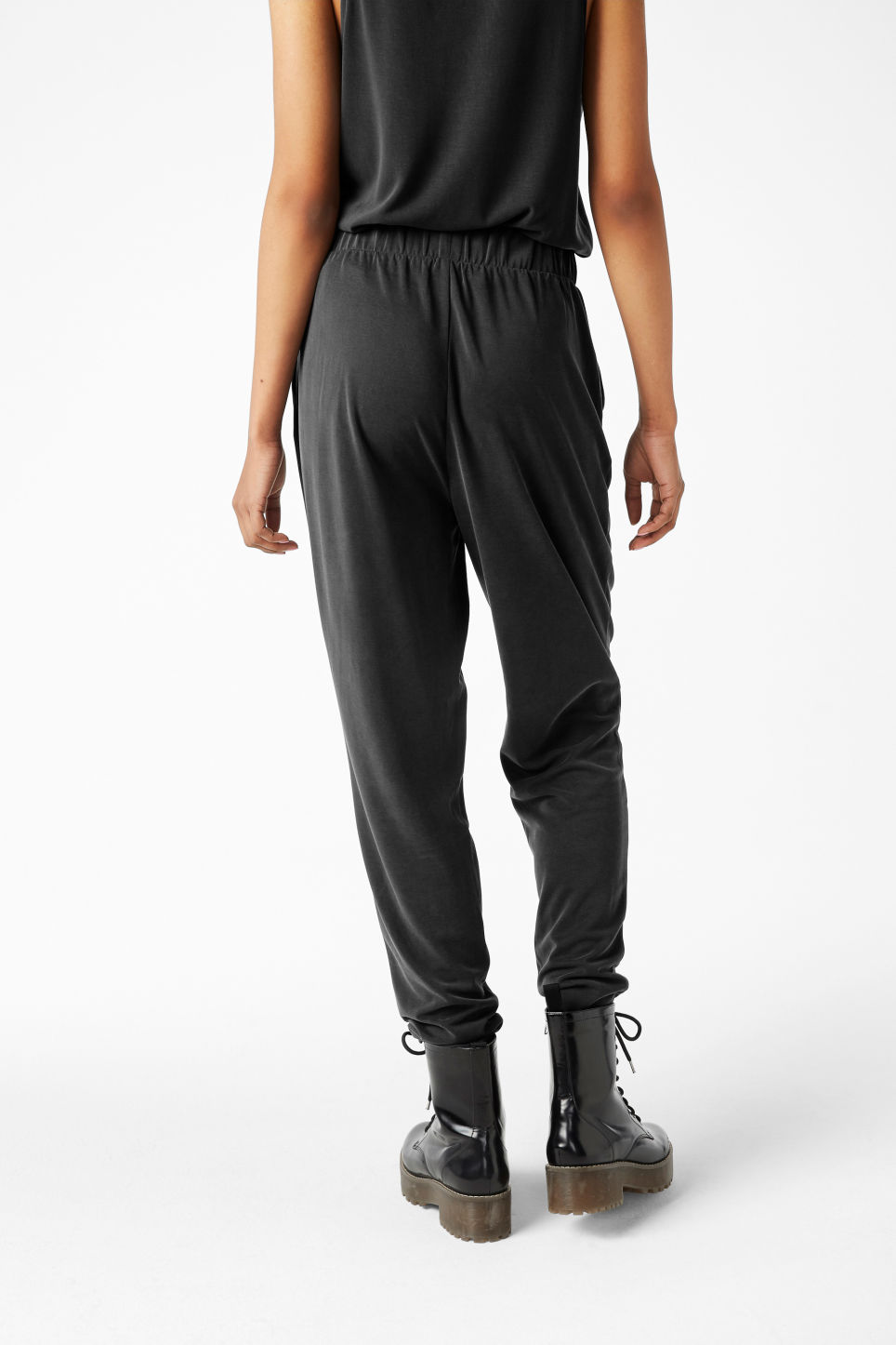 Model back image of Monki loungey trousers in black