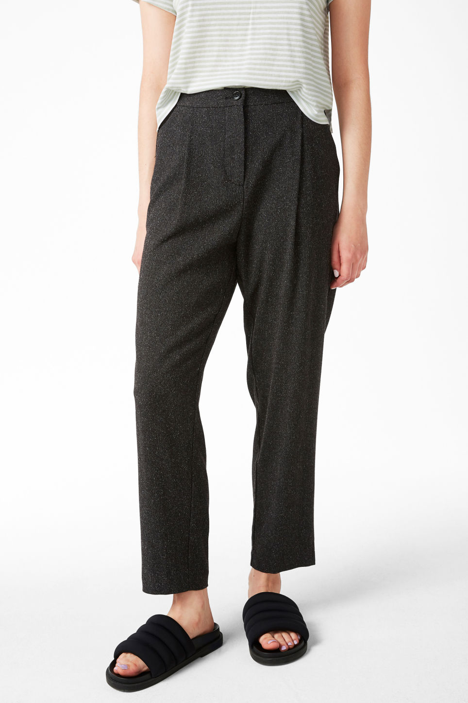 Model front image of Monki dressy trousers in grey