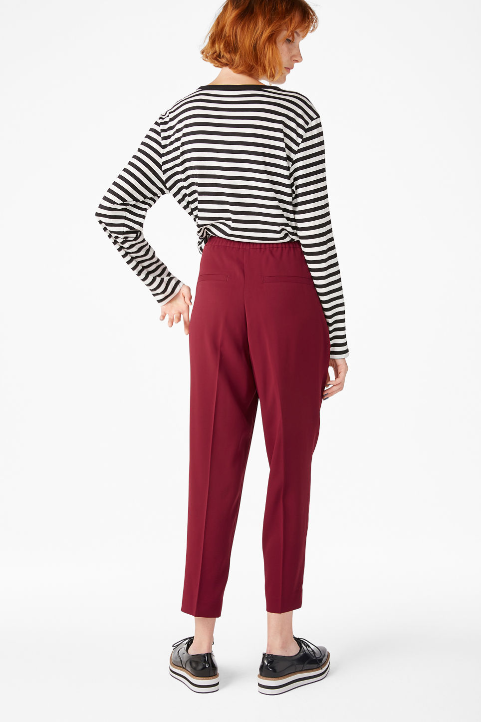 Model back image of Monki dressy trousers in red