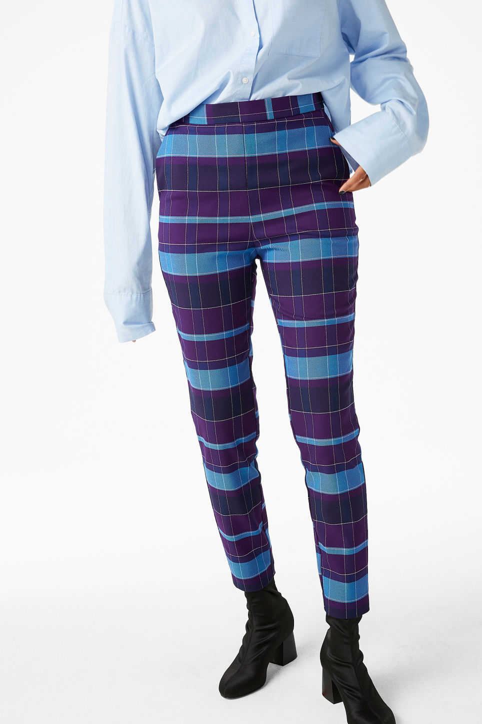 Model front image of Monki soft tapered trousers in purple