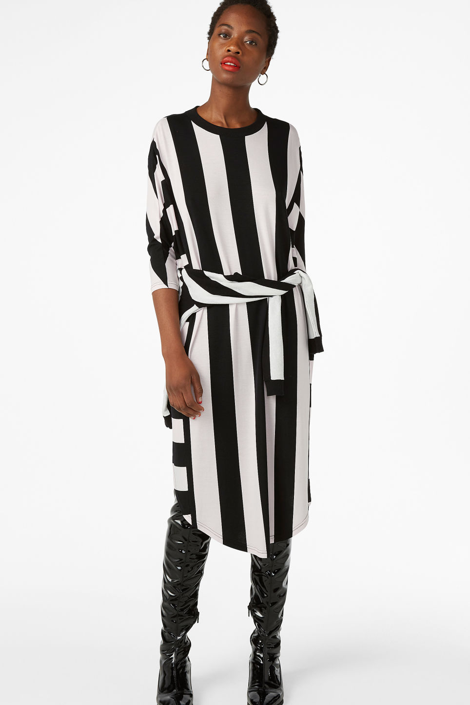 Model front image of Monki oversized dress in pink