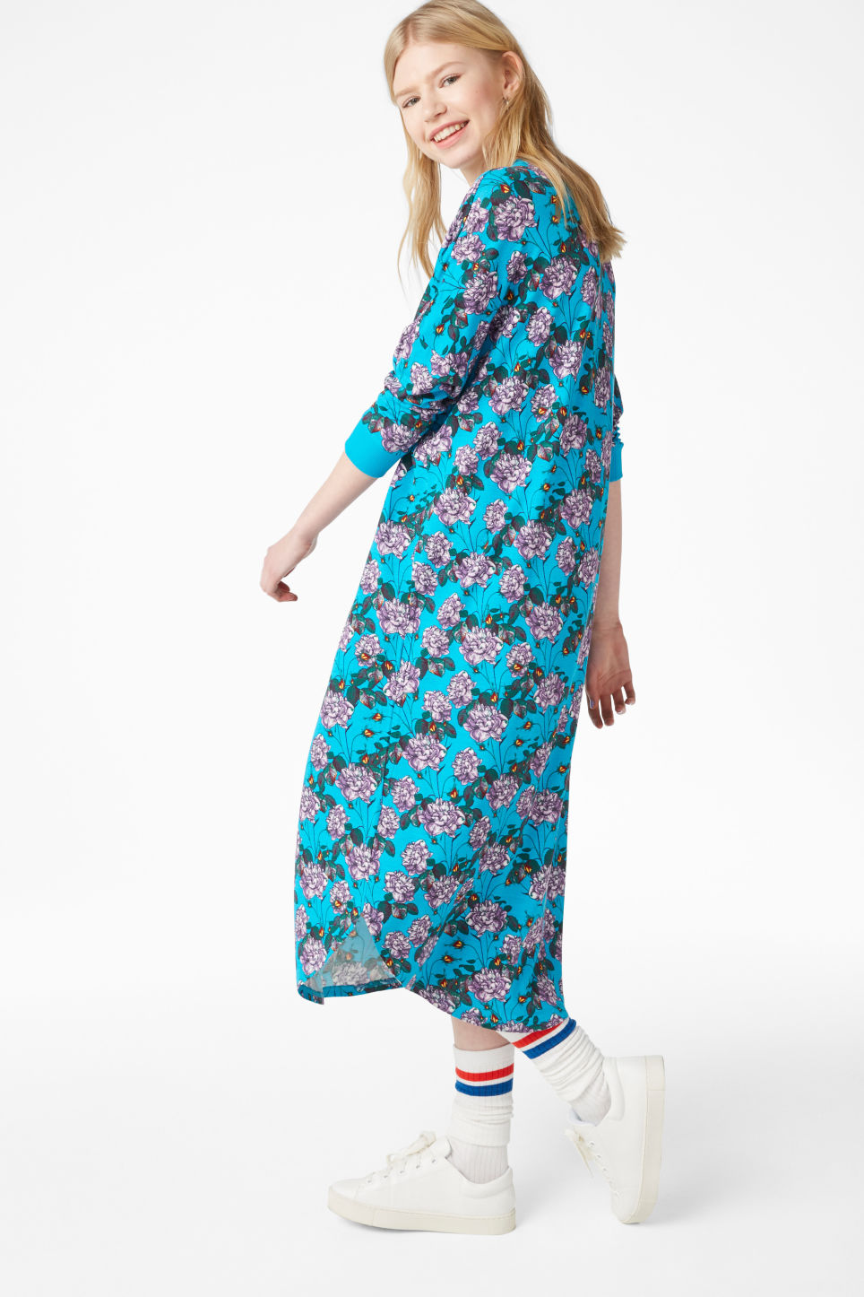 Model front image of Monki oversized dress in turquoise