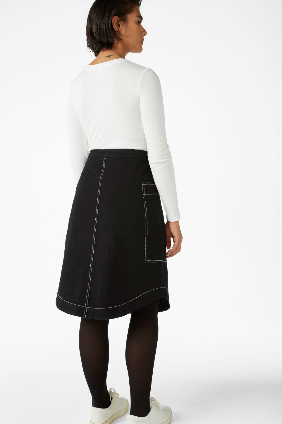 Model back image of Monki a-line skirt in black