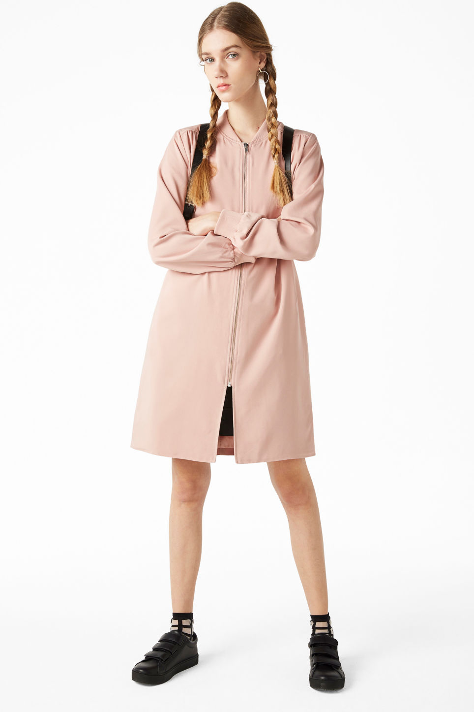 Model front image of Monki long lightweight jacket in pink