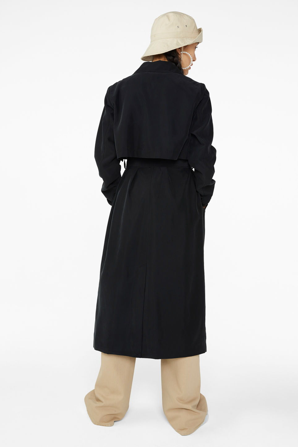 Model back image of Monki soft trench coat in black