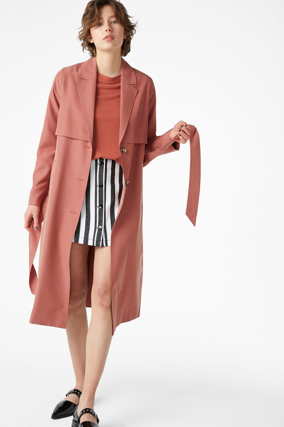 Model front image of Monki lightweight trench coat in orange