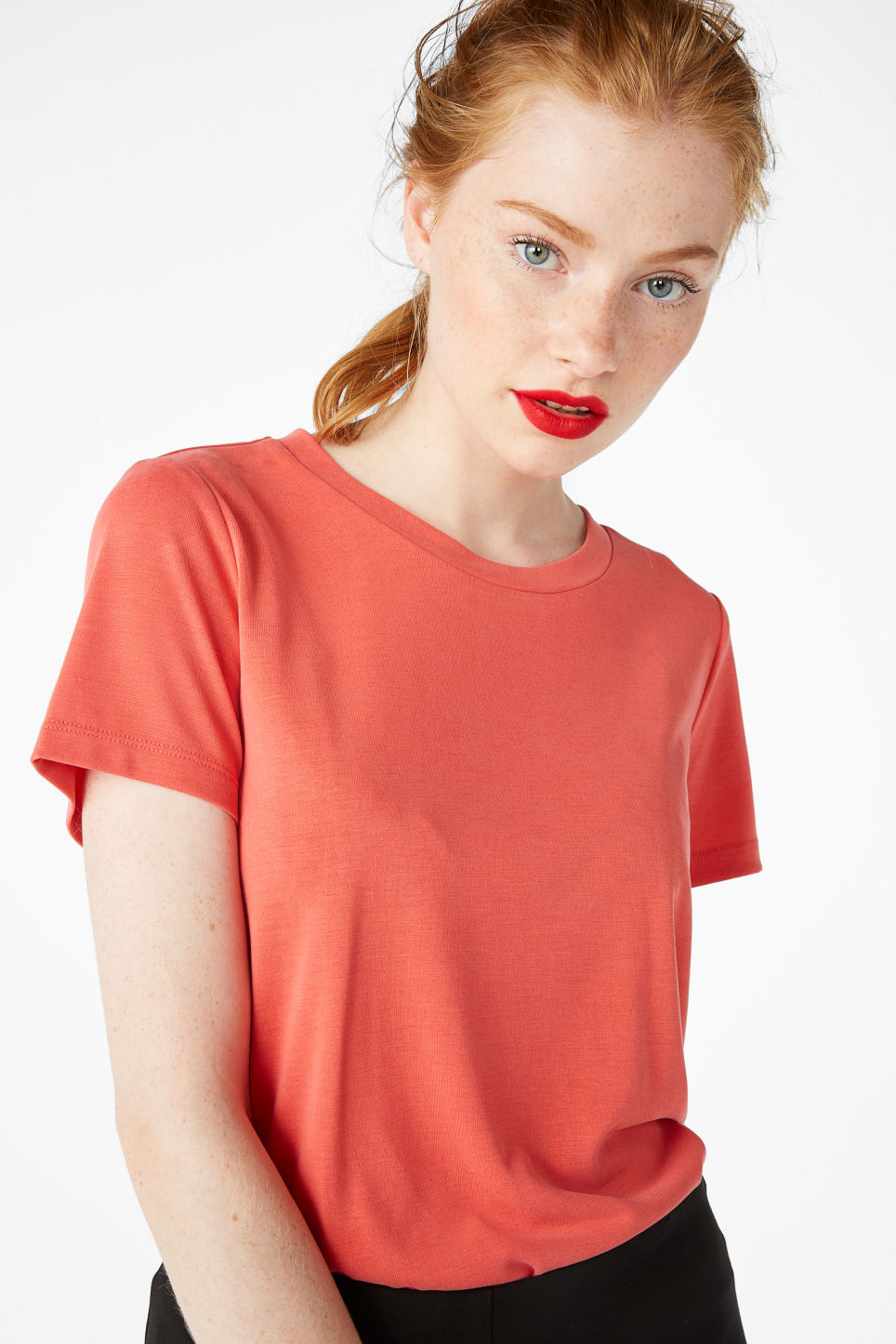 Model front image of Monki super-soft tee in red