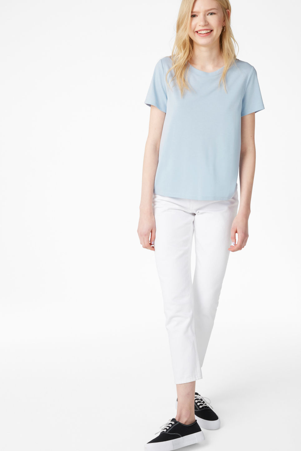 Model front image of Monki super-soft tee in blue