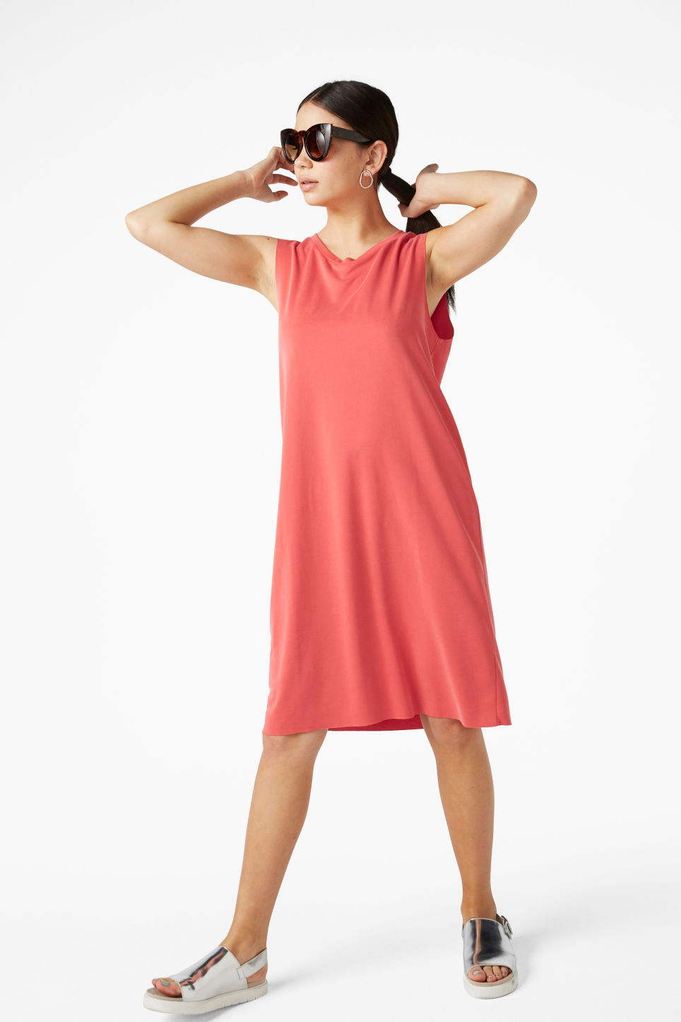 Model front image of Monki basic super-soft dress in red