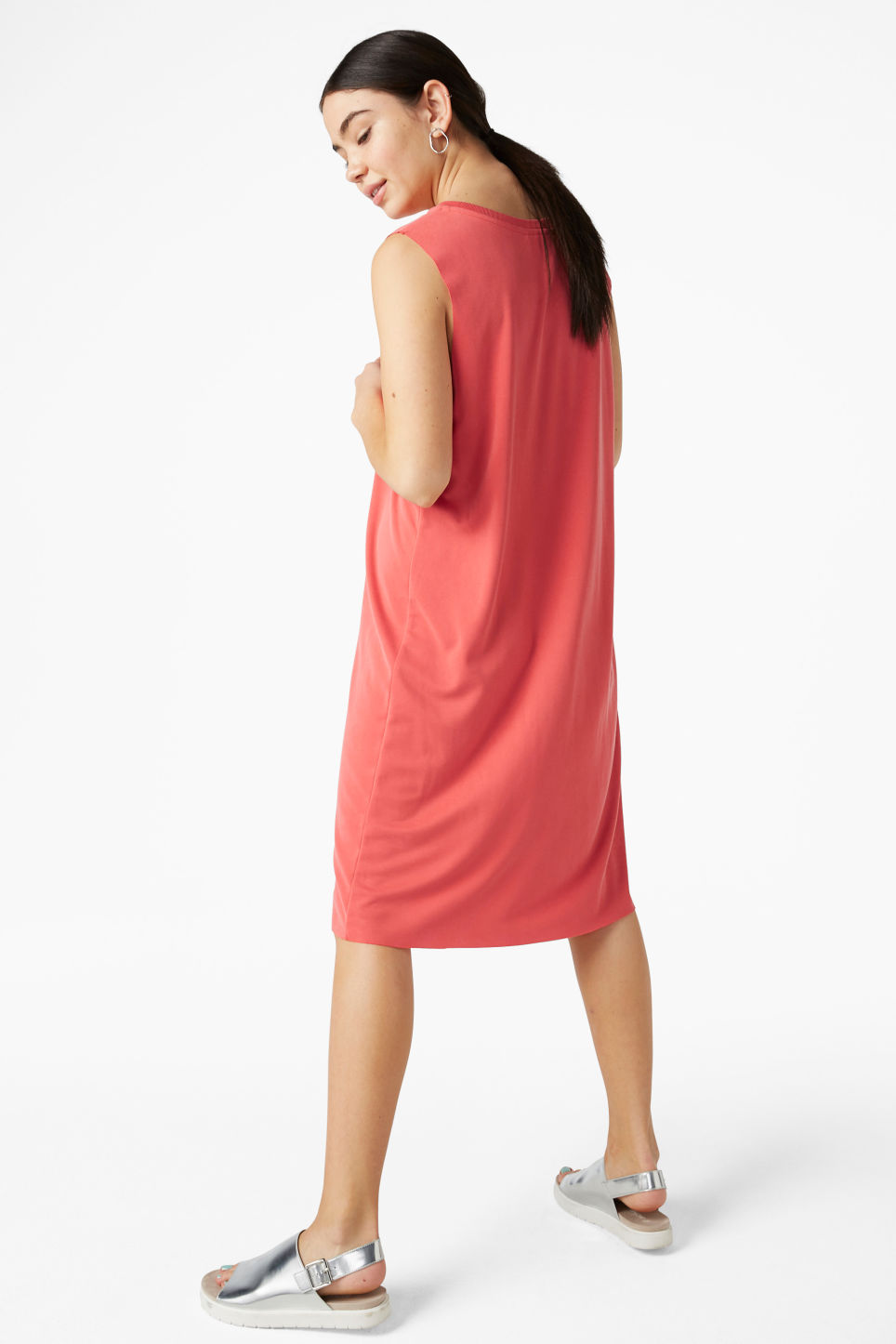 Model side image of Monki basic super-soft dress in red