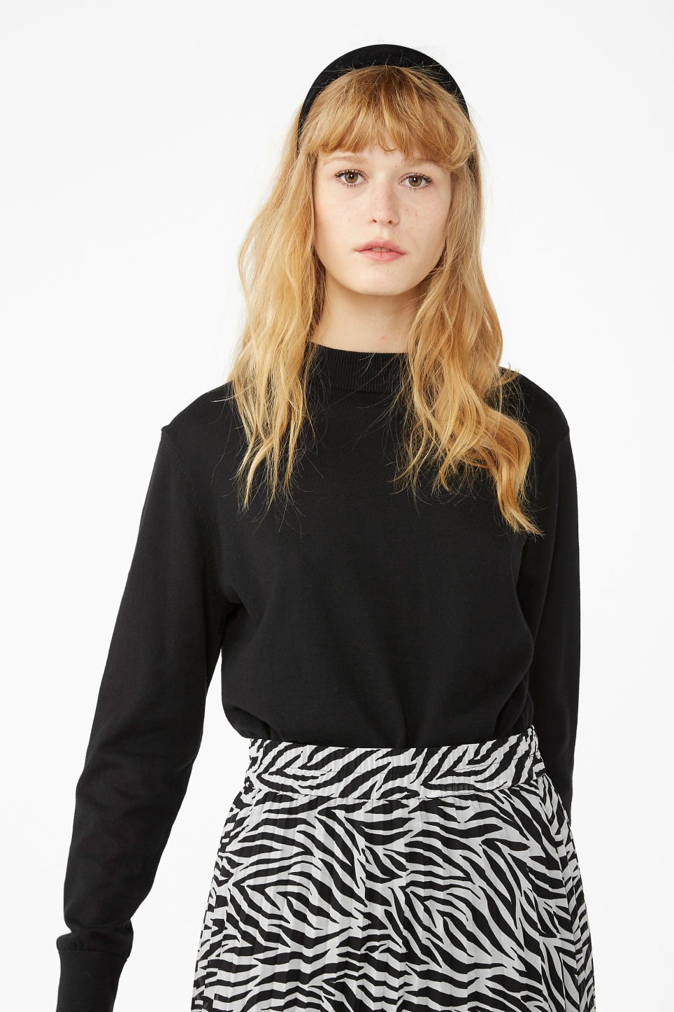 Model front image of Monki soft knit sweater in black