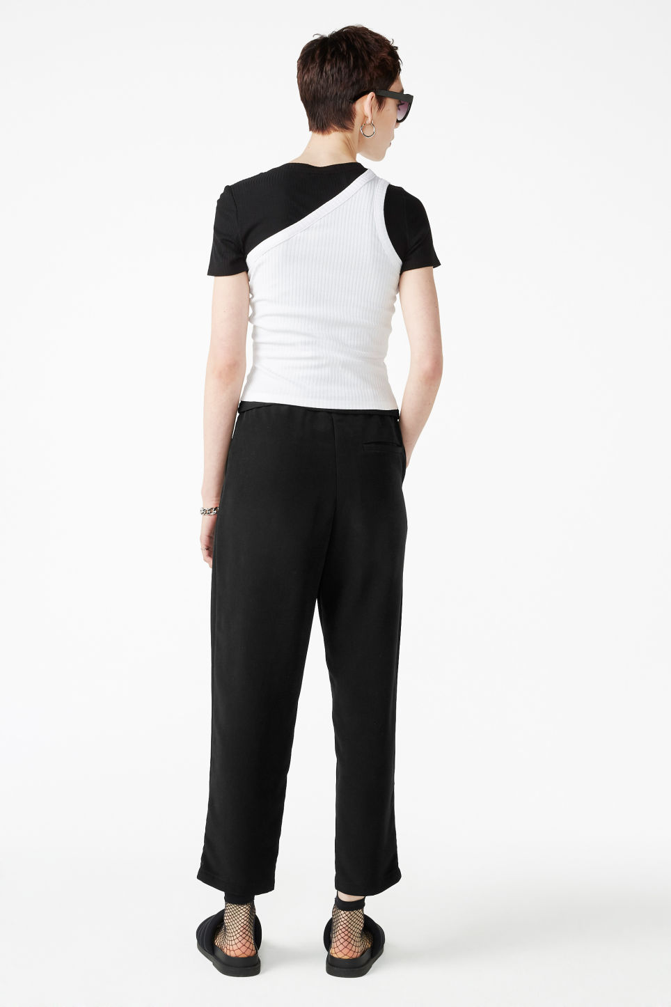 Model back image of Monki fancy trousers in black