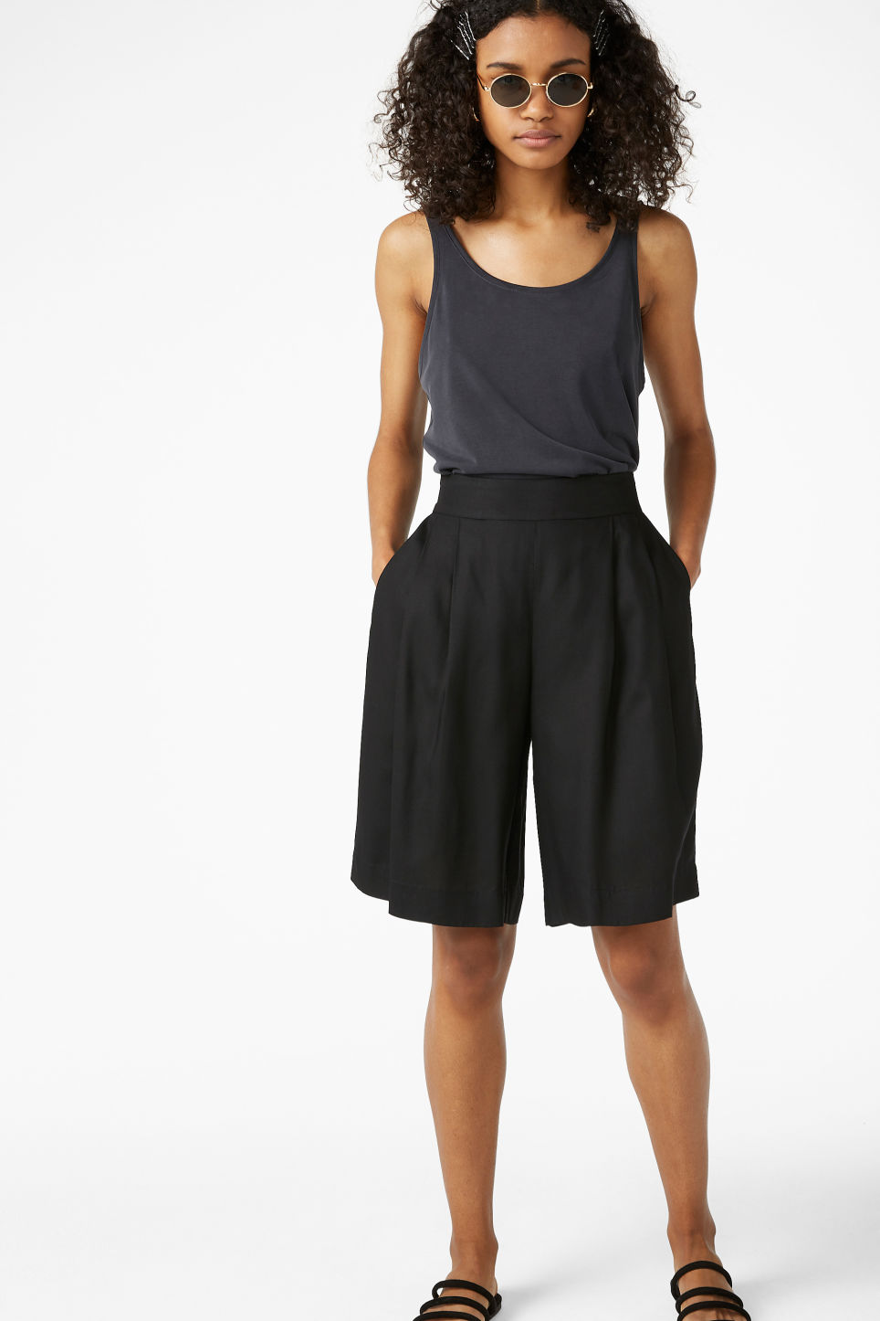 Model front image of Monki pleat front culottes in black