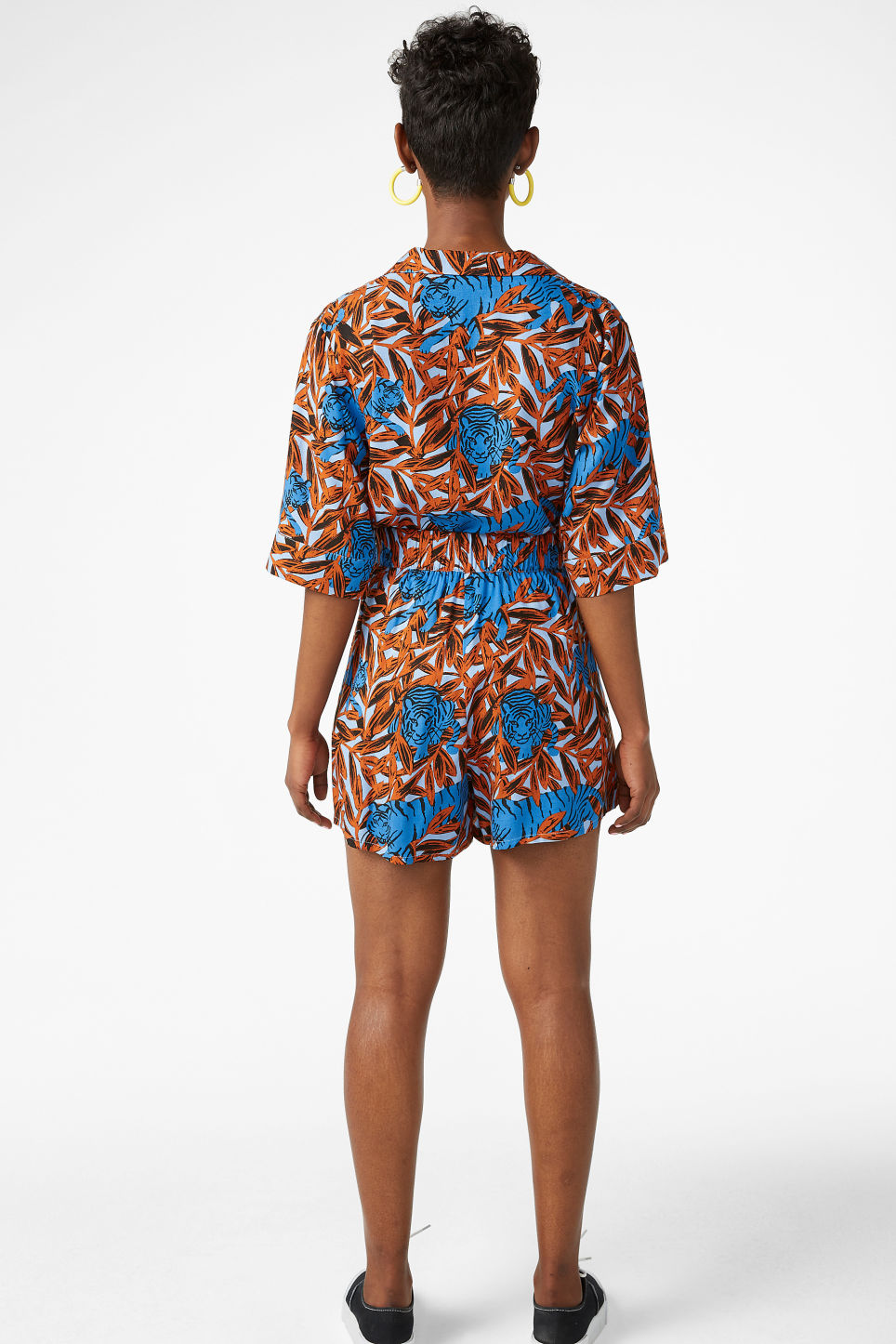 Model back image of Monki loose fit shorts in blue