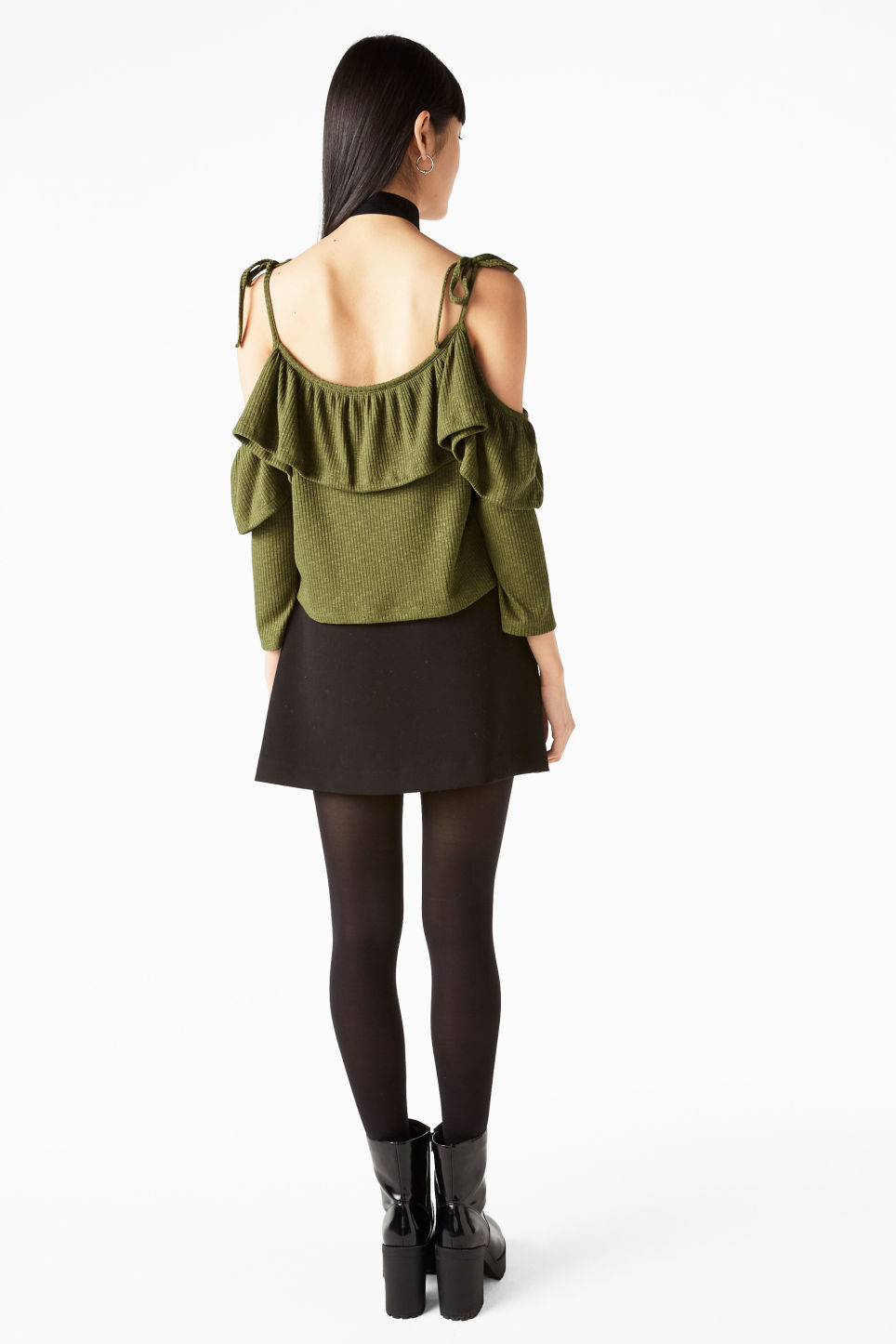 Model back image of Monki exposed shoulder cropped top in green
