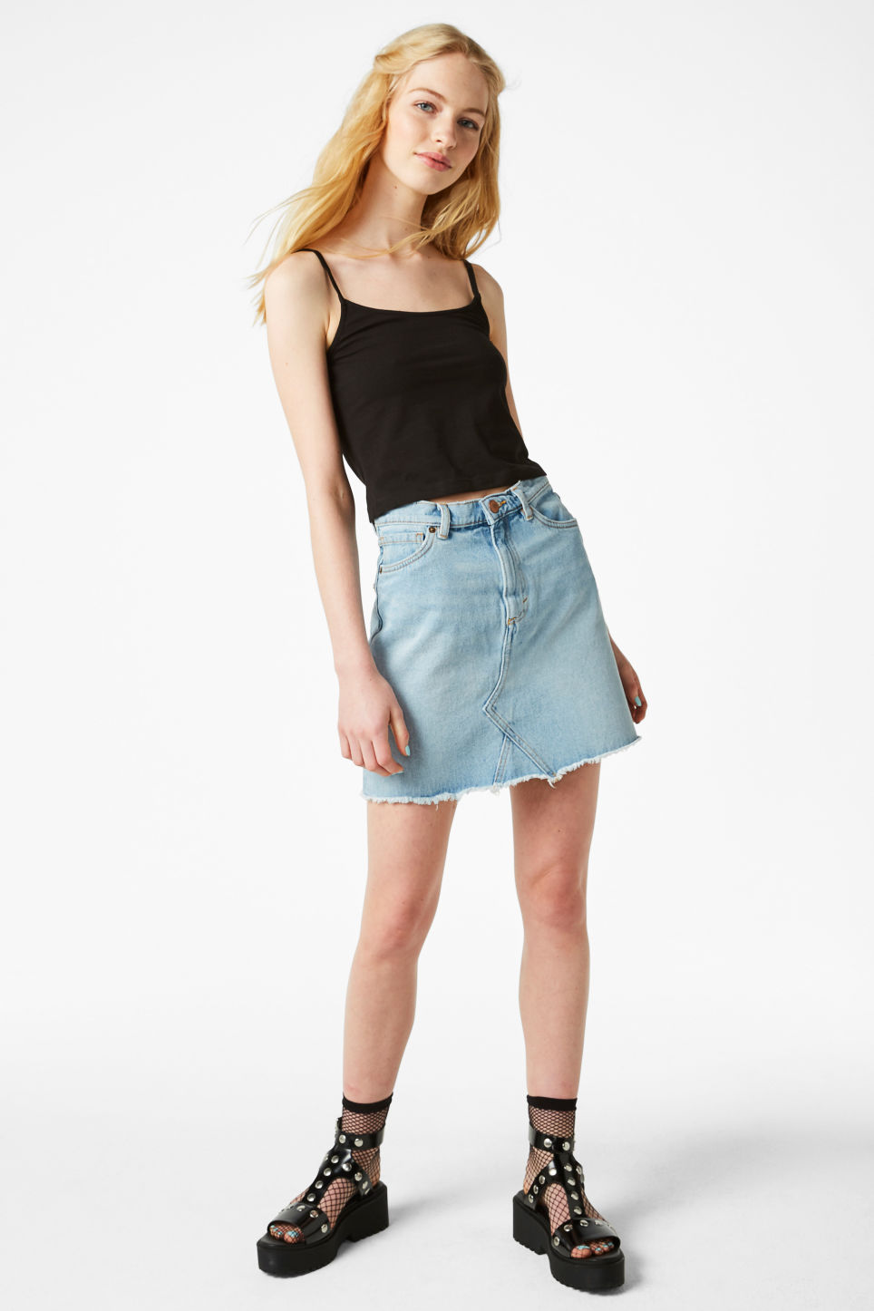 Model front image of Monki cropped singlet in black