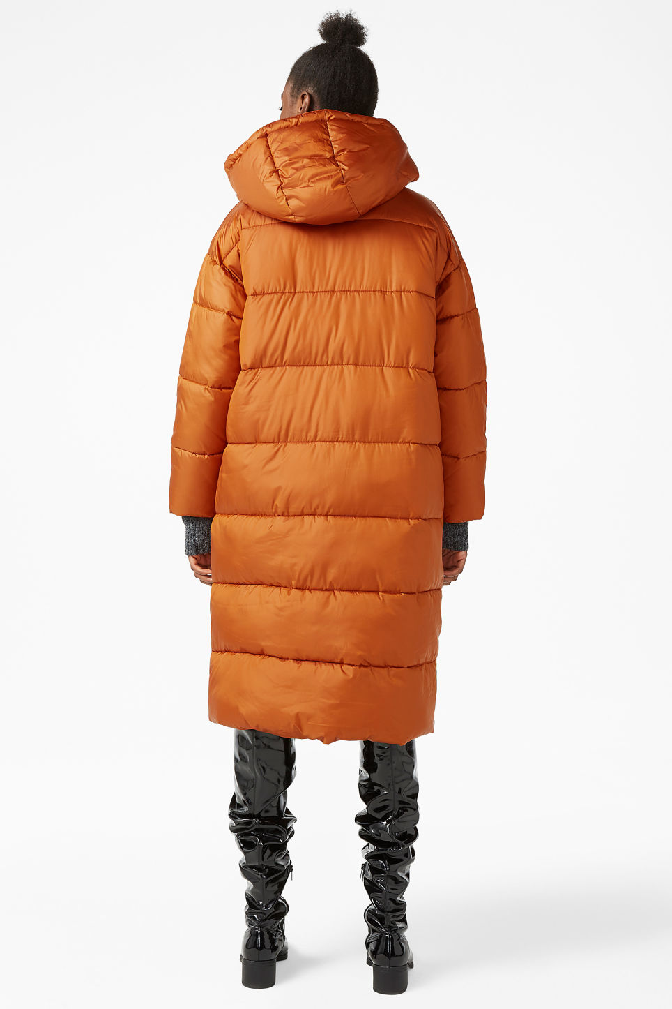 Model back image of Monki oversized puffer coat in orange