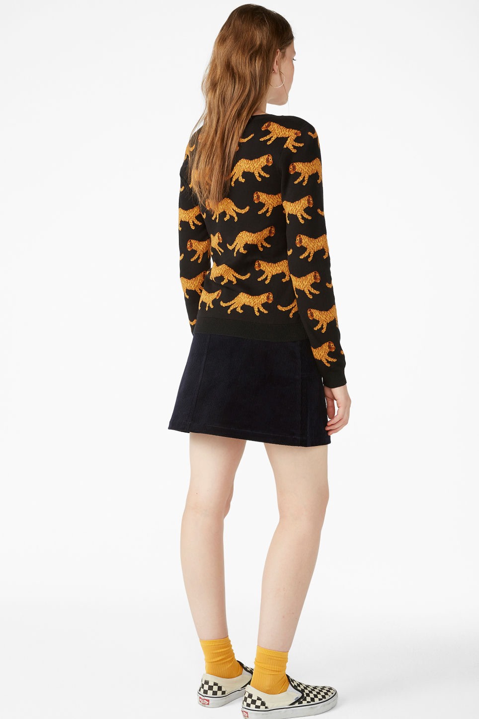 Model back image of Monki knitted long-sleeved top in black