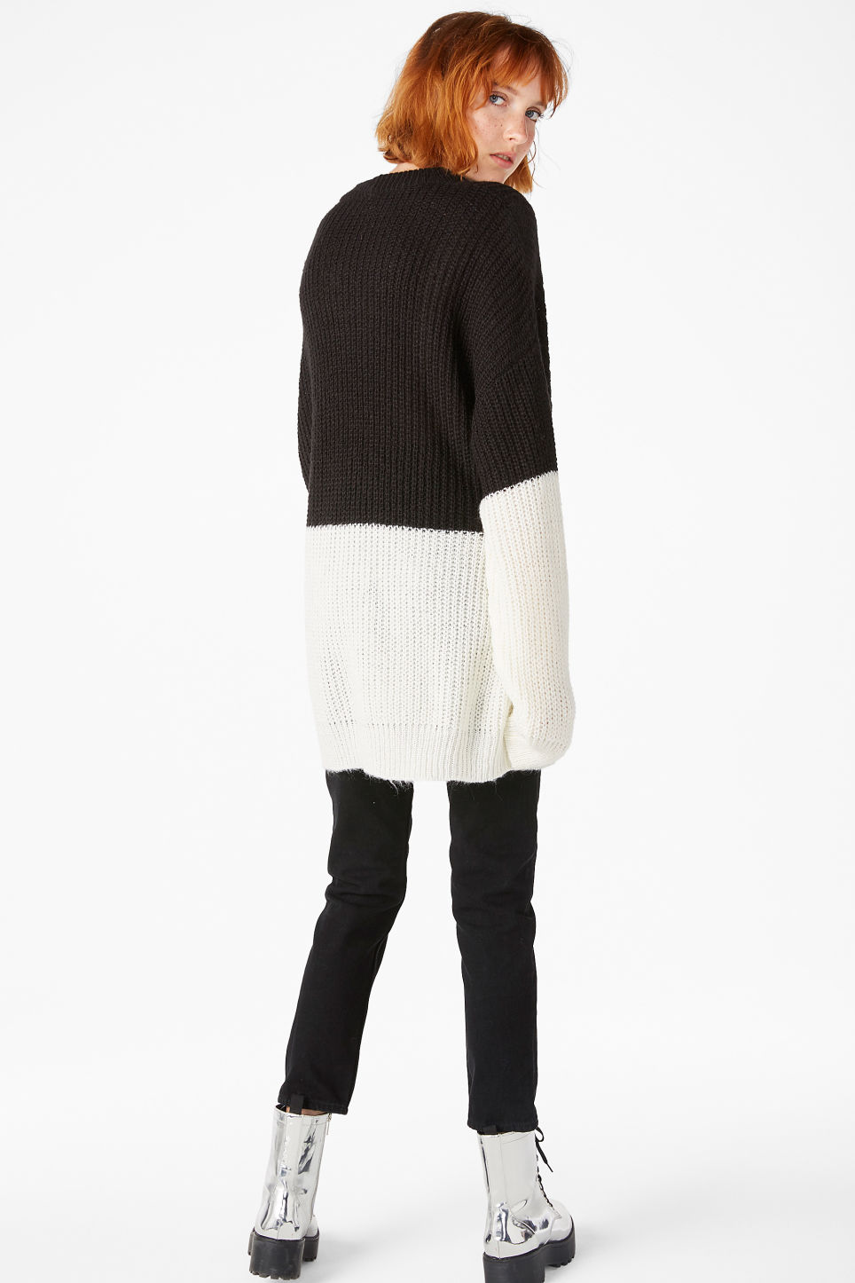 Model back image of Monki oversize knit top in black
