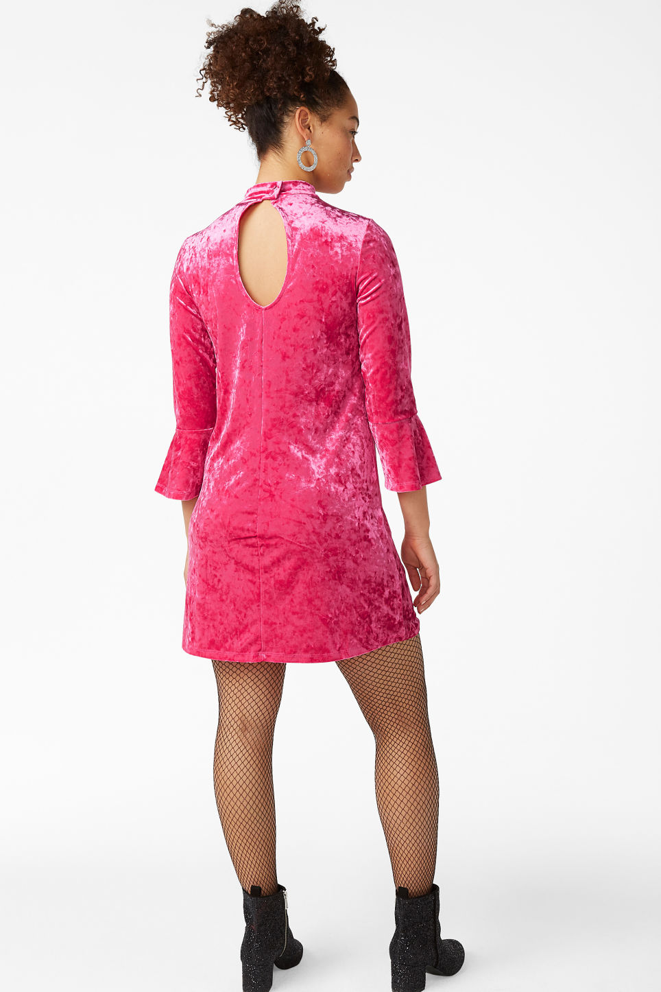 Model back image of Monki high neck velvet dress in pink