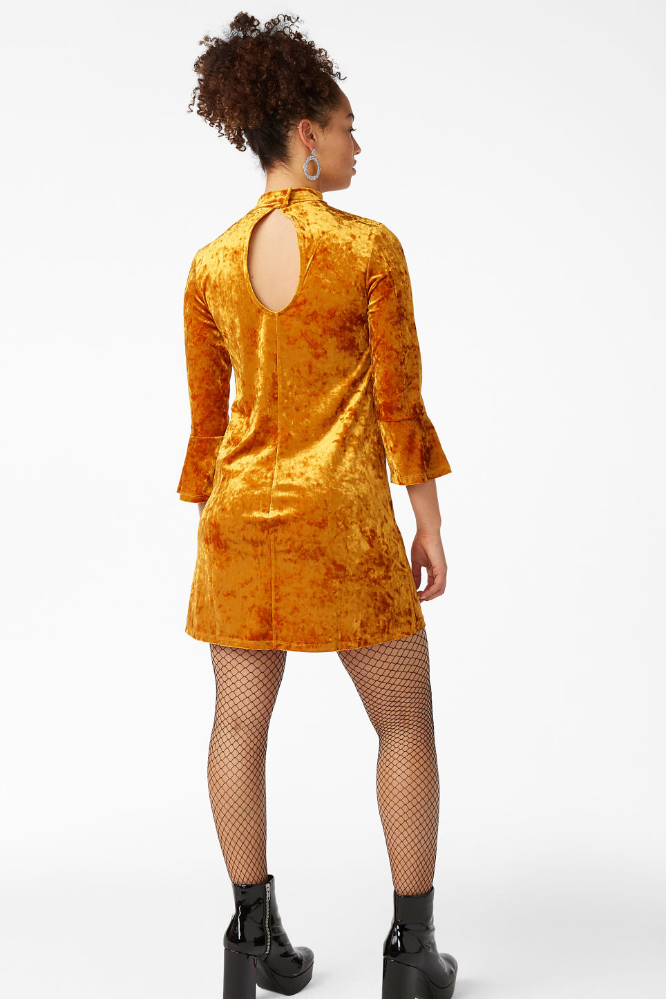 Model back image of Monki high neck velvet dress in orange