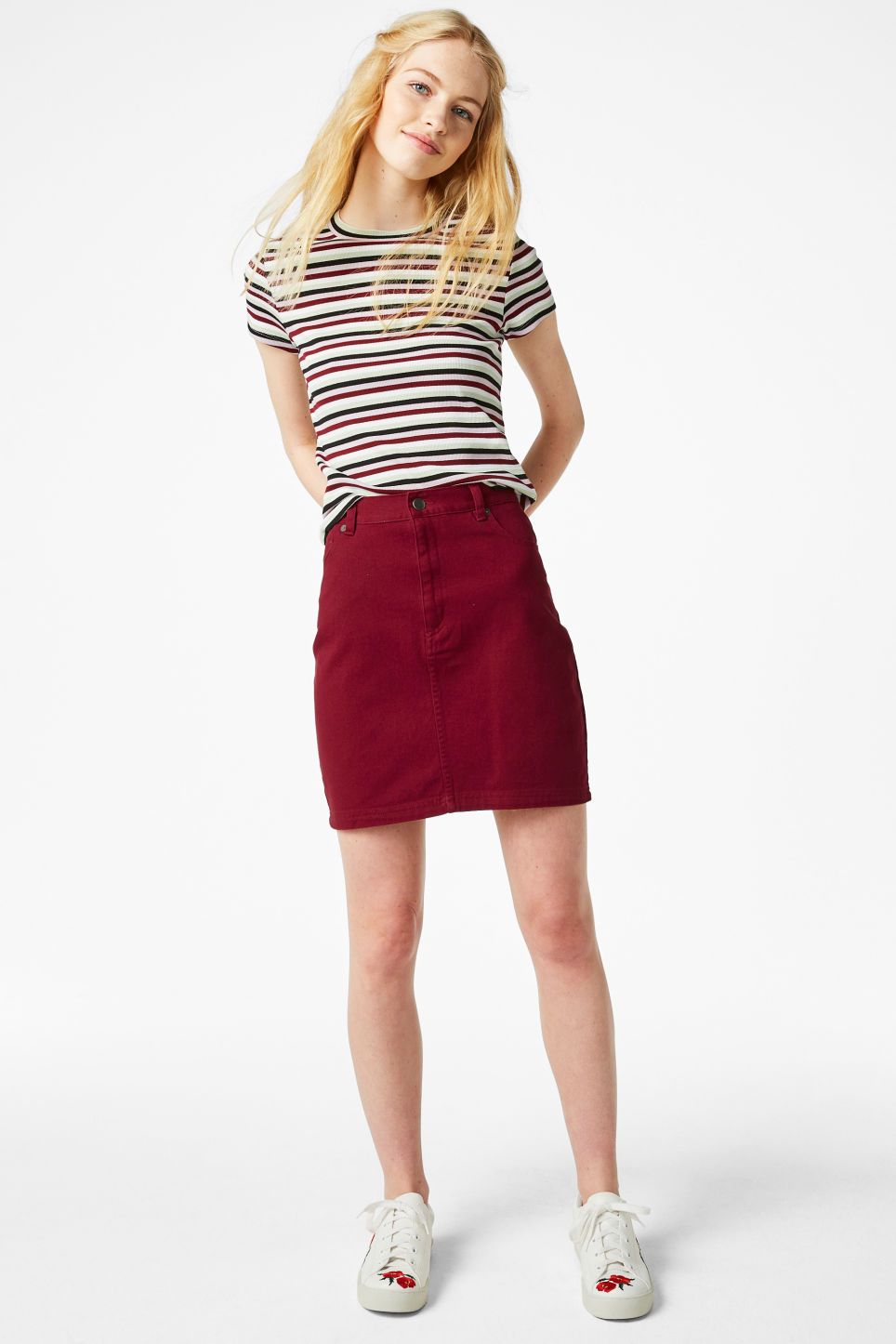 Model front image of Monki cotton miniskirt in red