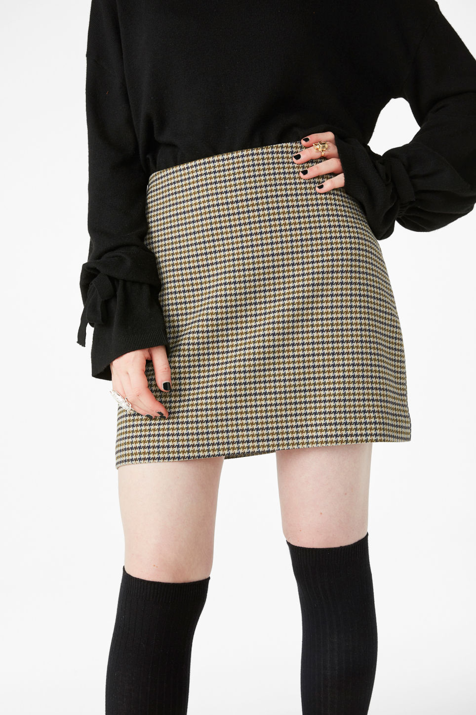 Model front image of Monki pleather skirt in yellow