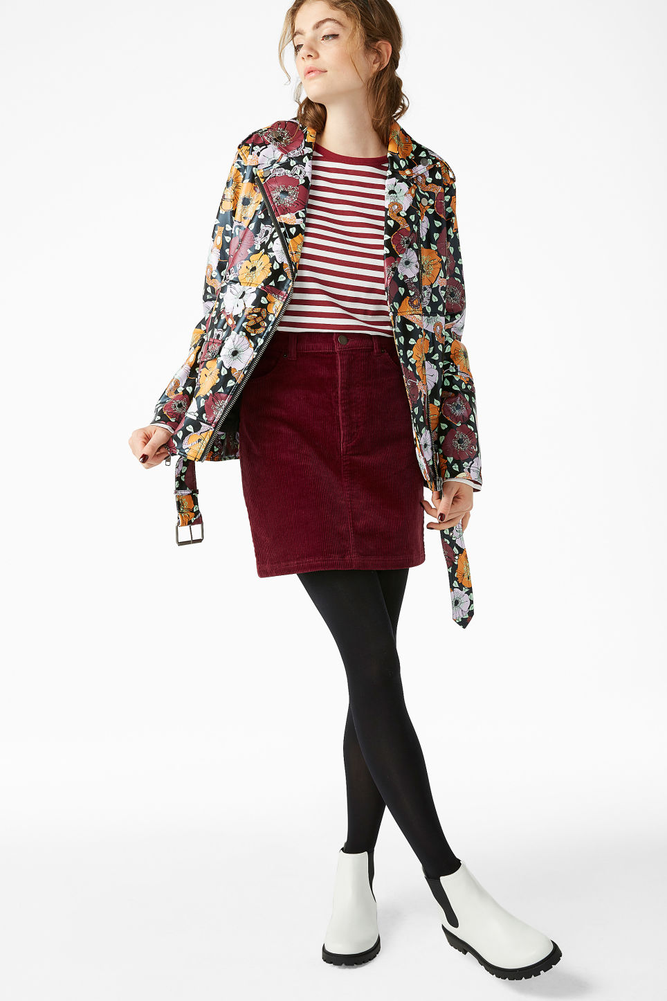 Model front image of Monki cord skirt in red