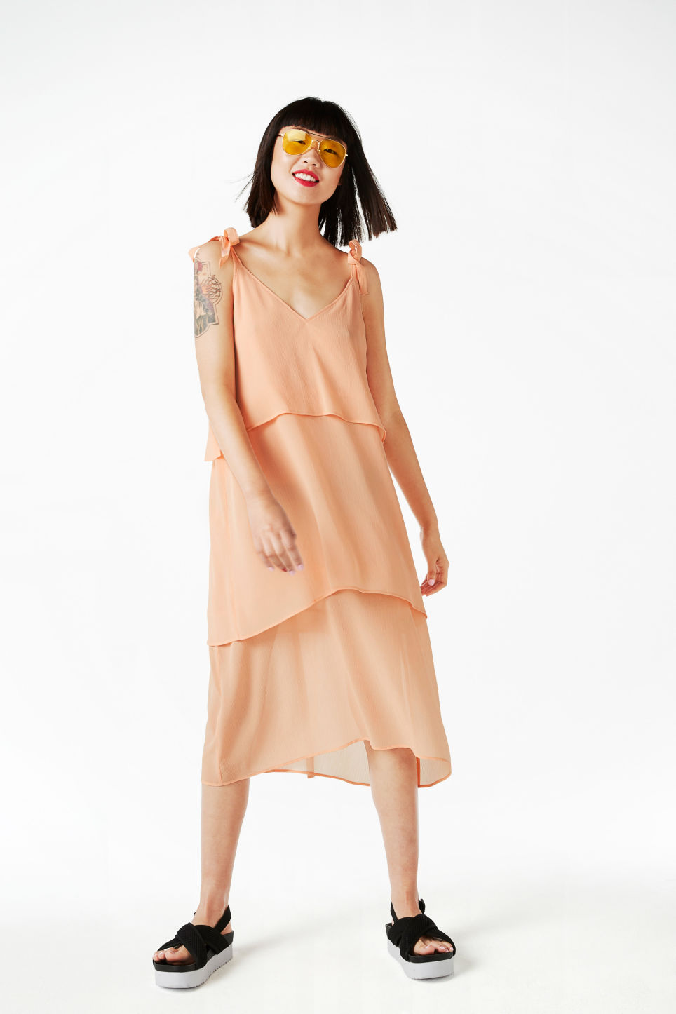 Model front image of Monki shoulder tie dress in pink