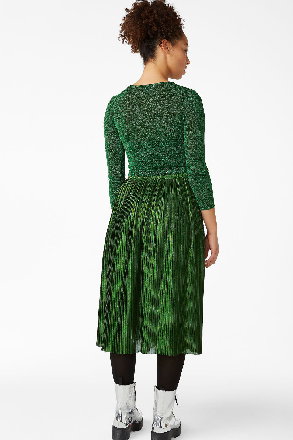 Model back image of Monki long metallic skirt in green