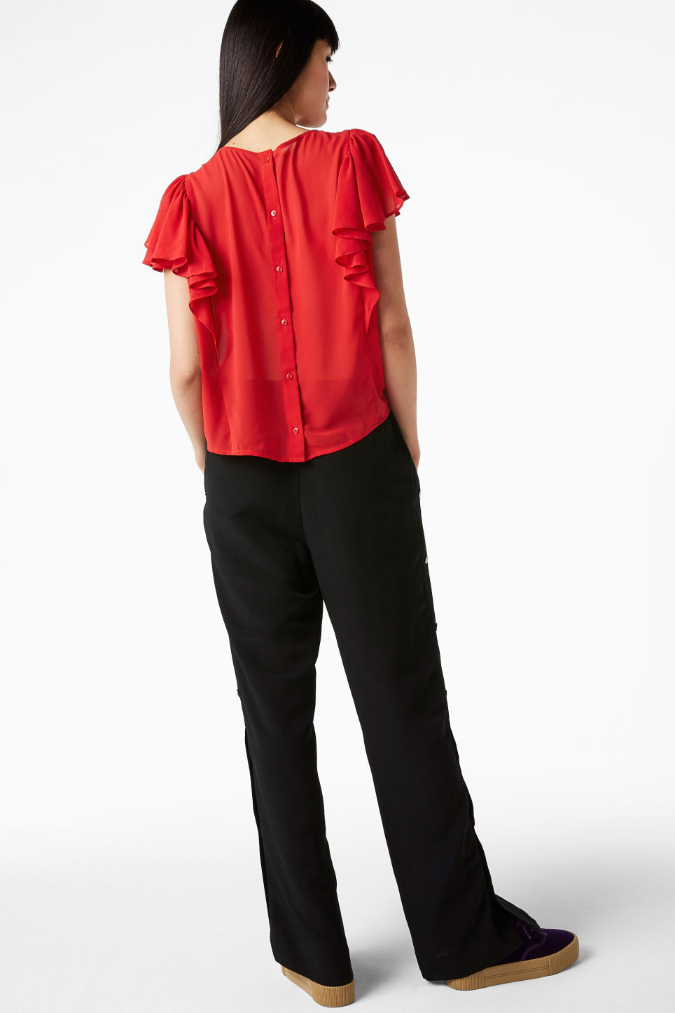Model back image of Monki ruffled blouse in red