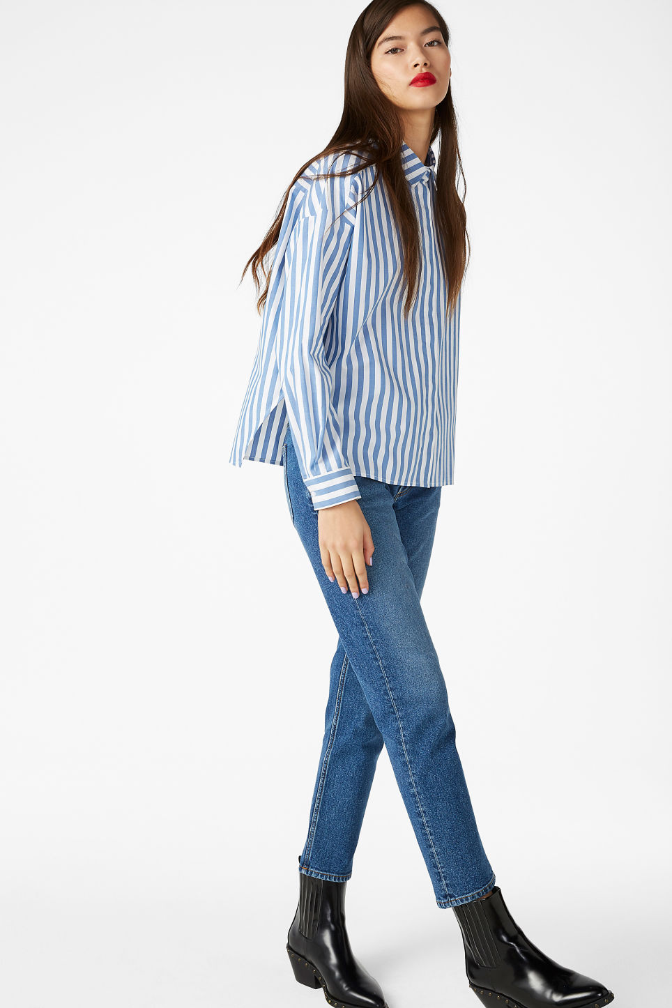 Model front image of Monki hidden button cotton blouse in blue