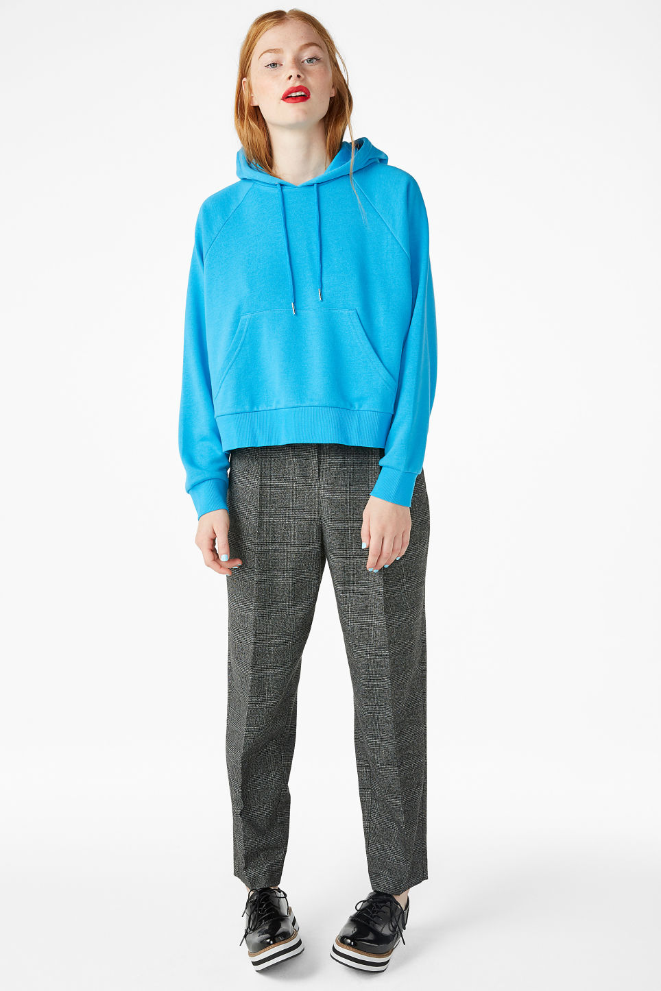 Model front image of Monki cropped hoodie in turquoise