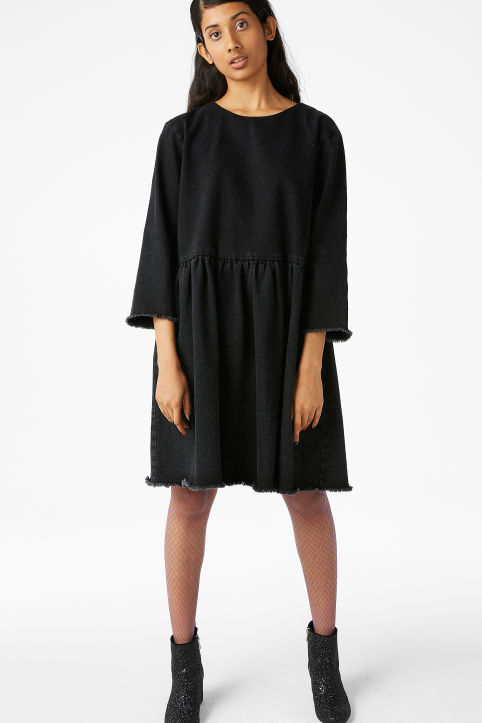 Fun-loving Swedish brand Monki designs clothes to inspire girls to dare to wear what makes them feel great. Monki mixes trends, understated Scandi cool and b Views: K.