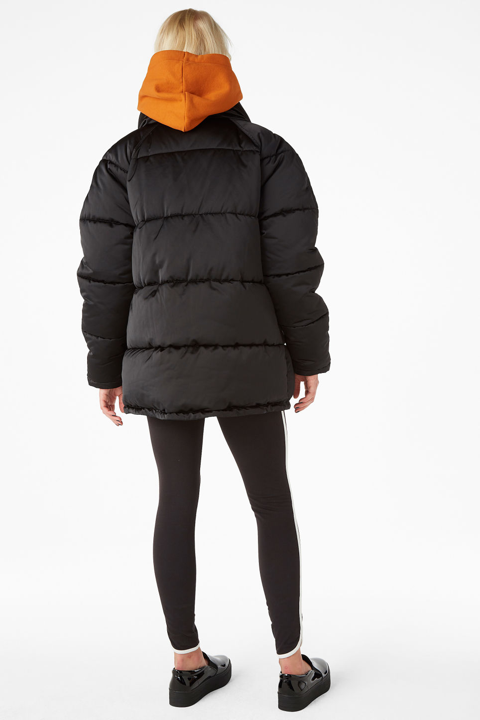 Model back image of Monki puffer jacket in black