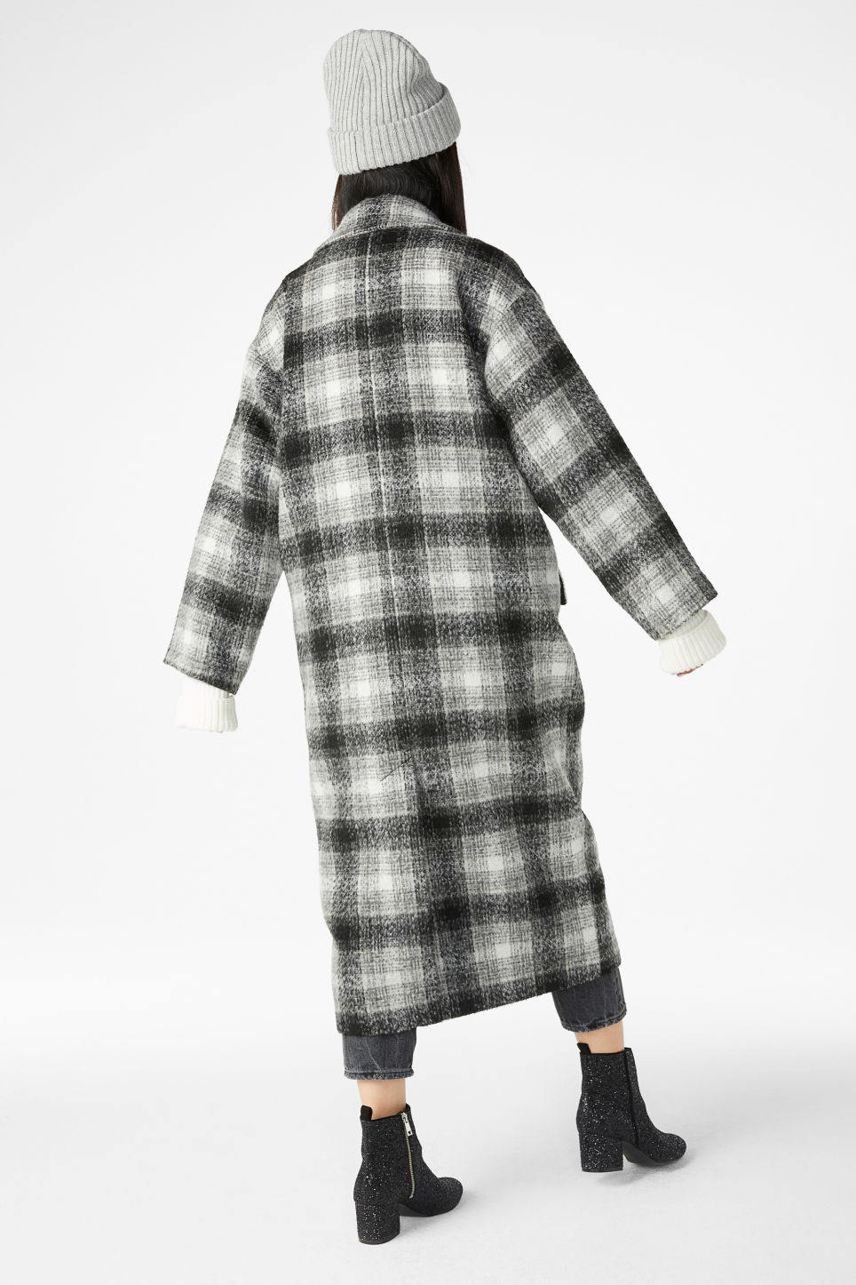 Model back image of Monki wool coat in grey