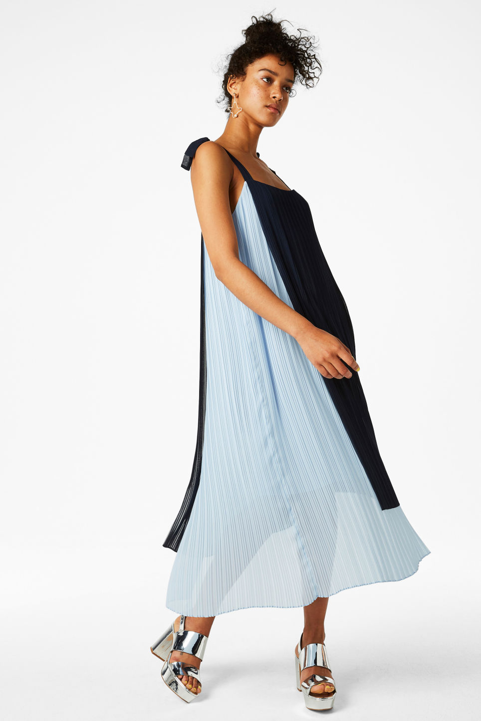 Model front image of Monki plissé dress with tie straps in blue