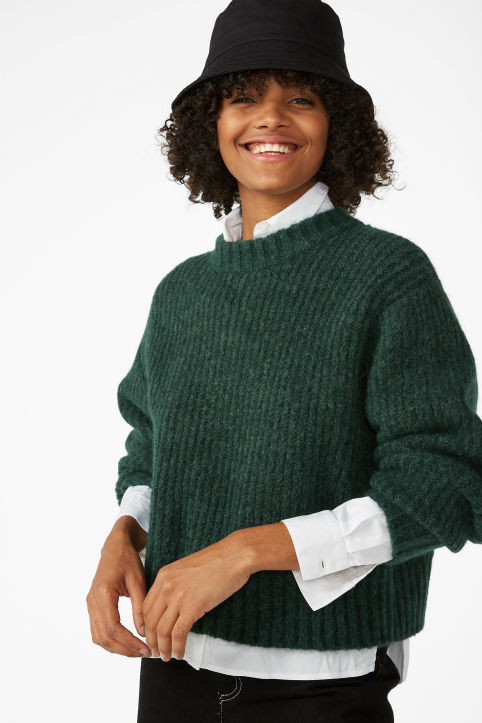 Puffed sleeve sweater