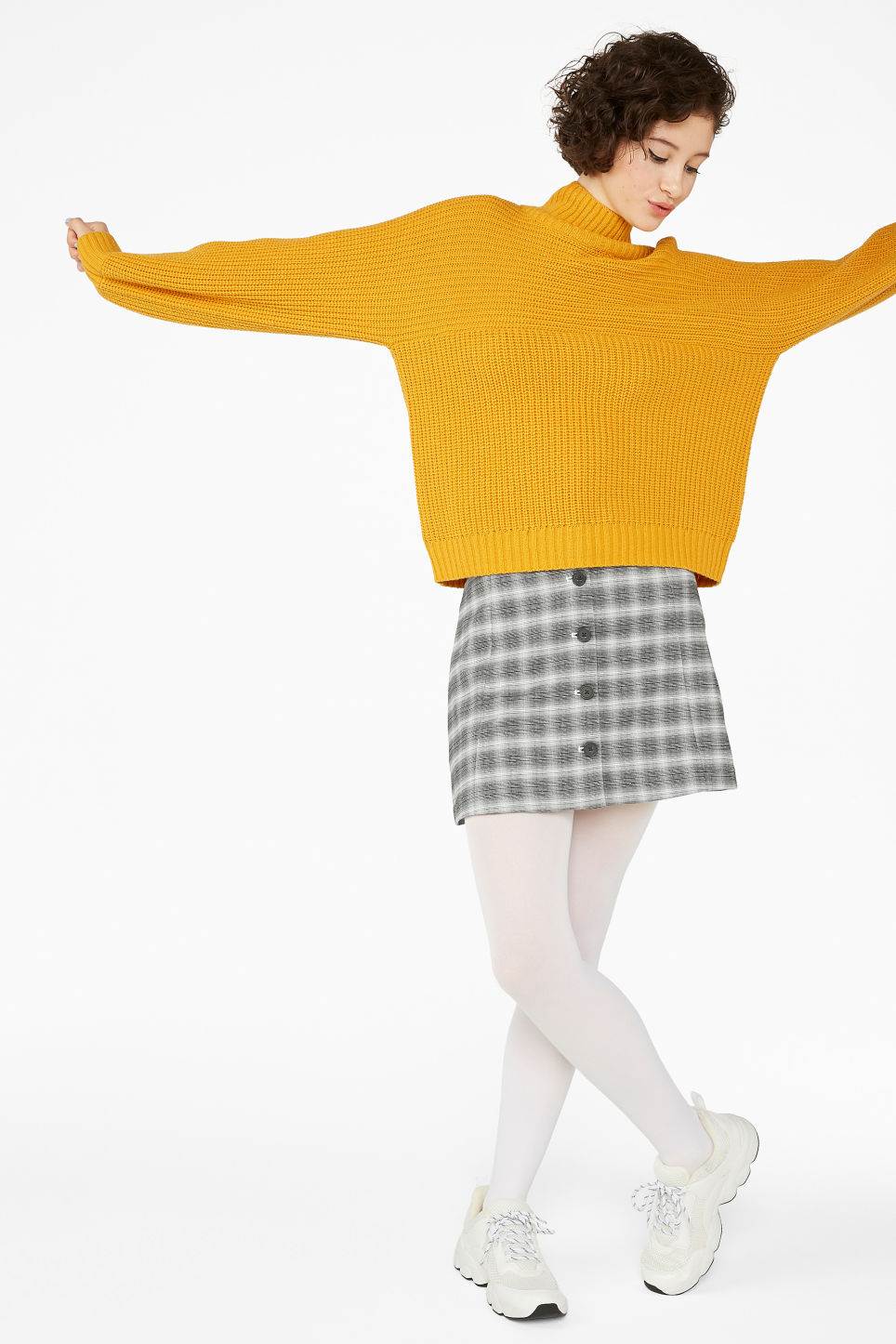 Model front image of Monki chunky knit sweater in yellow