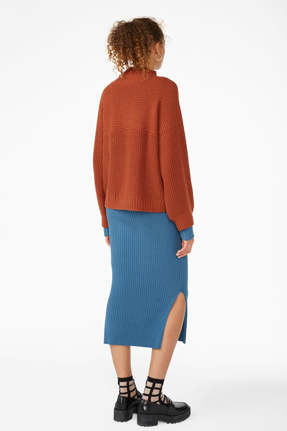 Model back image of Monki chunky knit sweater in orange